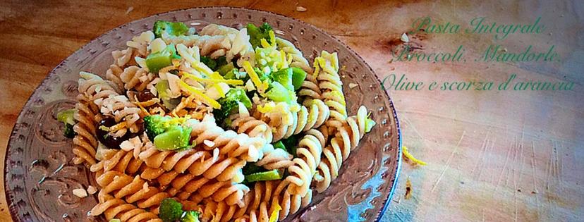 pasta integrale ai broccoli, mandorle e arancia
