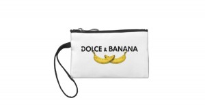 dolce_banana_coin_wallet-r03a13923671f4c34a0d8d6453144d417_ftd1z_8byvr_630